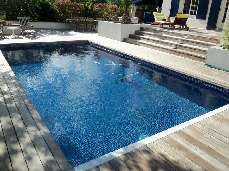 Construction de piscines biarritz vente de mat riel pour for Materiel de piscine